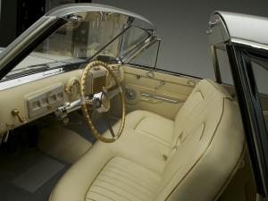 В отделке салона Delahaye 175 Coupe de Ville использовано настоящее золото