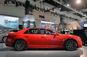 Обновленный Chrysler 300, вид сбоку
