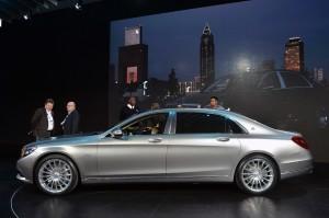 Mercedes-Maybach S600 2014, вид сбоку
