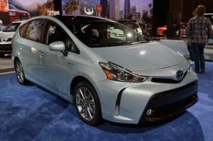 Toyota Prius V, передняя диагональ