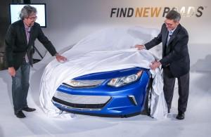 Chevrolet Volt 2014 вид спереди