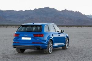 Новый Audi Q7, вид сзади