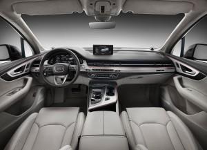 Audi Q7 второго поколения, передняя панель