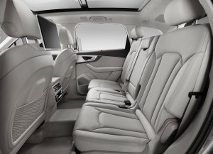 Audi Q7 2014, задние сиденья