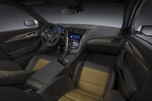 Cadillac CTS-V 2015, вид на переднюю панель