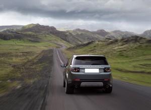 Новый Land Rover Discovery Sport, вид сзади