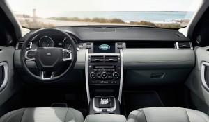 Land Rover Discovery Sport, вид на переднюю панель