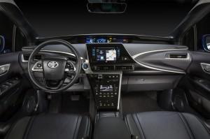 Фото Toyota Mirai 2014, вид на переднюю панель