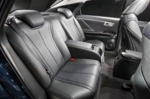 Фото Toyota Mirai, задние сиденья