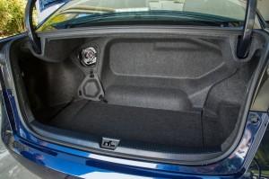 Фото нового Toyota Mirai, багажник