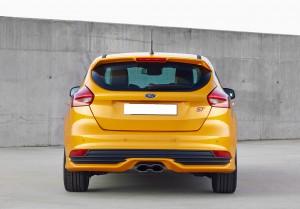 Обновленный Ford Focus ST, вид сзади