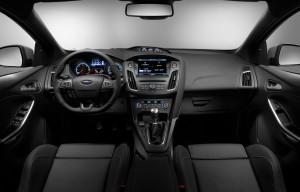 Ford Focus ST 2015, передняя панель