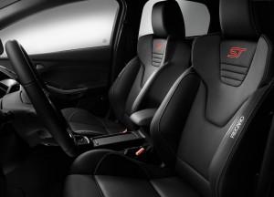Ford Focus ST, передние сиденья