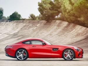 Mercedes-AMG GT 2015, вид сбоку