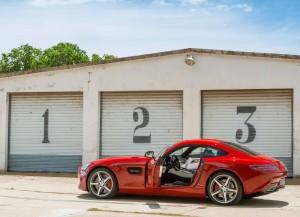 Mercedes-AMG GT 2015, вид на заднюю диагональ