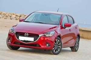Mazda 2 2015, вид спереди