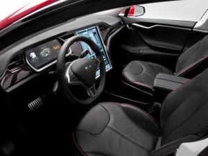 Tesla Model S P85D 2015, передние сиденья