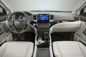 Новый Honda Pilot, передняя панель