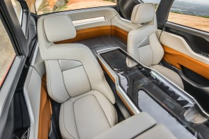 Mitsubishi GC-PHEV 2015, задние сиденья