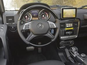 Mercedes-Benz G500 4X4-2, передняя панель