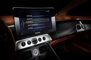 Aston Martin Thunderbolt, центральная панель