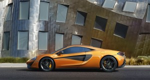 McLaren 570S, вид сбоку