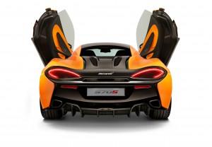 McLaren 570S, вид сзади