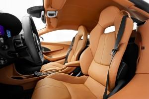 McLaren 570S 2015, сиденья