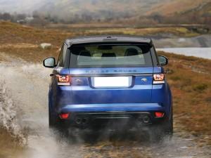 Range Rover Sport SVR, вид сзади