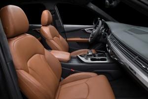 Audi Q7, передние сиденья