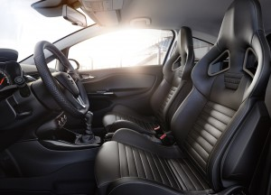 Opel Corsa OPC, передние сиденья