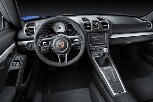 Porsche Cayman GT4, передняя панель