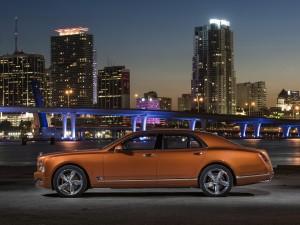 Bentley Mulsanne Speed 2015, вид сбоку
