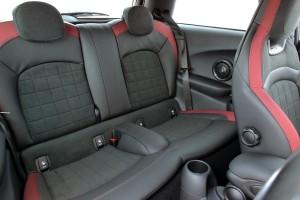 Новый Mini JCW, задние сиденья