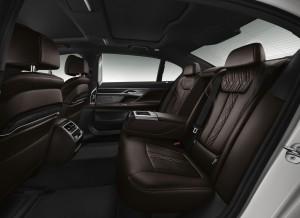 Новый BMW 7 Series, задние сиденья
