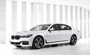 BMW 7 Series G11, вид на переднюю диагональ
