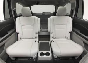 Honda Pilot 2015, второй ряд сидений