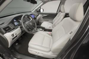 Honda Pilot 2015, передние сиденья
