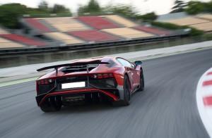 Lamborghini Aventador LP750-4 SV 2015, вид сзади