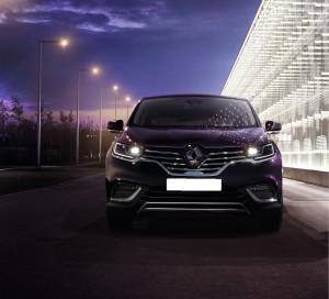 Renault Espace 2015, вид спереди