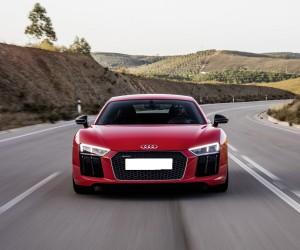 Audi R8 2015, вид спереди