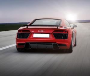 Audi R8, вид сзади