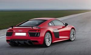 Audi R8 2015, вид на заднюю диагональ