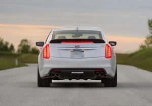Cadillac CTS-V 2015, вид сзади