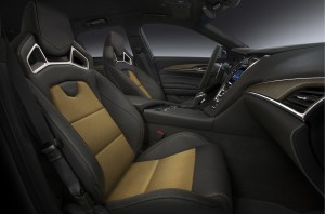 Cadillac CTS-V 2015, передние сиденья