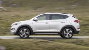 Hyundai Tucson 2015, вид сбоку