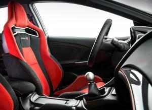 НовыйHonda Civic Type R, передние сиденья