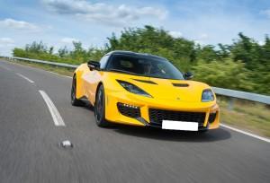 Lotus Evora 400, вид спереди