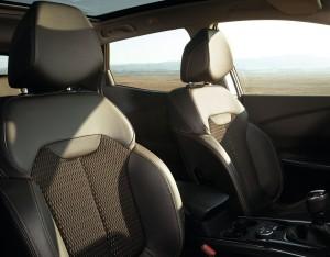 Новый Renault Kadjar, передние сиденья
