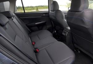 Subaru Levorg 2015, задние сиденья